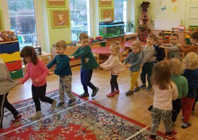Gry izabawy ruchowe – wferie bardzo zdrowe